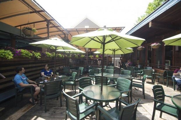 Northampton Brewery deck patio